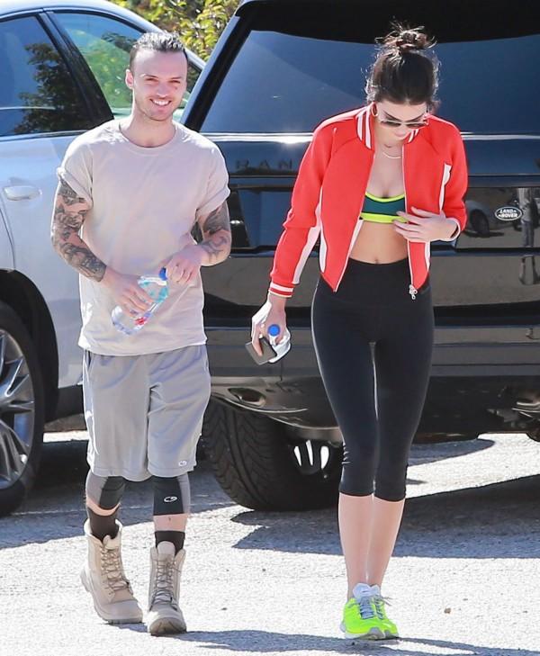 Kendall-Jenner-Hiking-Malibu-7
