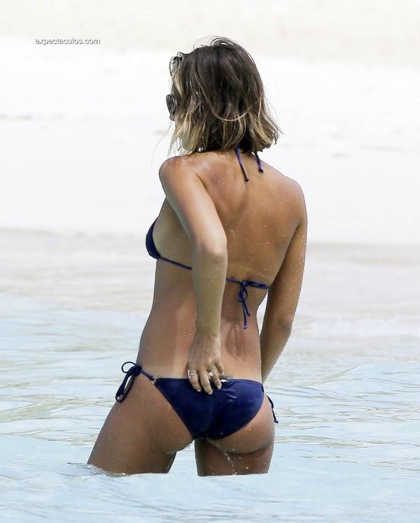 alba-bikini10