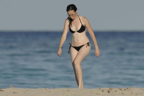 Alexis_Bledel_Wearing_a_Bikini_at_a_Beach006