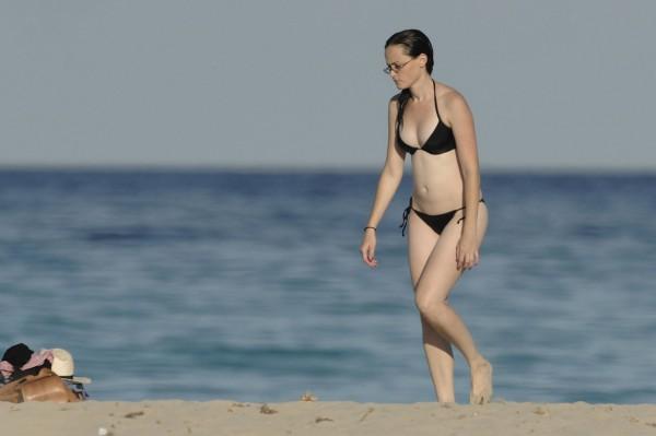 Alexis_Bledel_Wearing_a_Bikini_at_a_Beach007