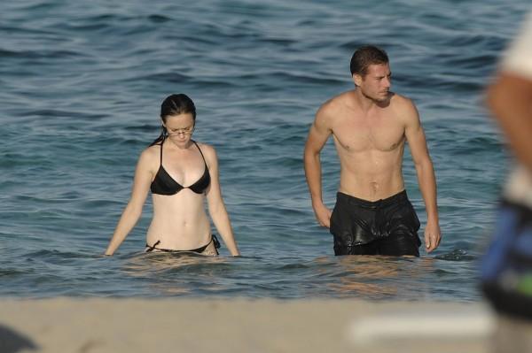 Alexis_Bledel_Wearing_a_Bikini_at_a_Beach008