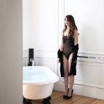 Camila Sodi muy sexy en sesion de fotos