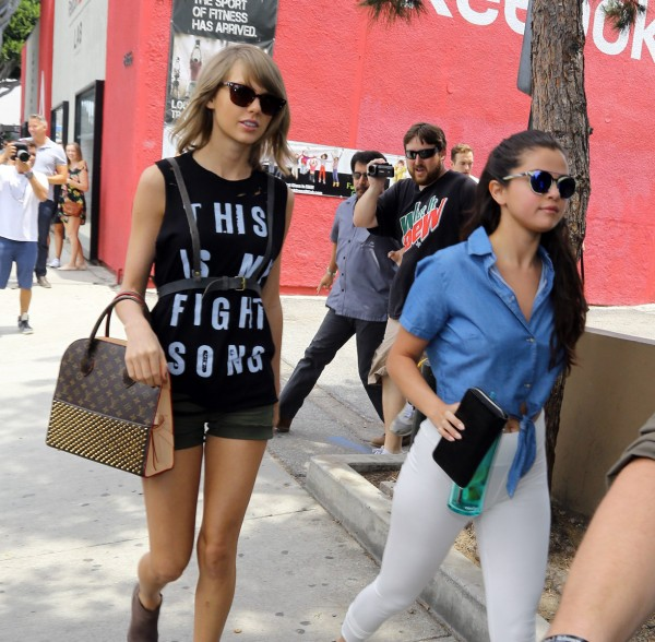 Taylor-Swift-Selena-Gomez-12