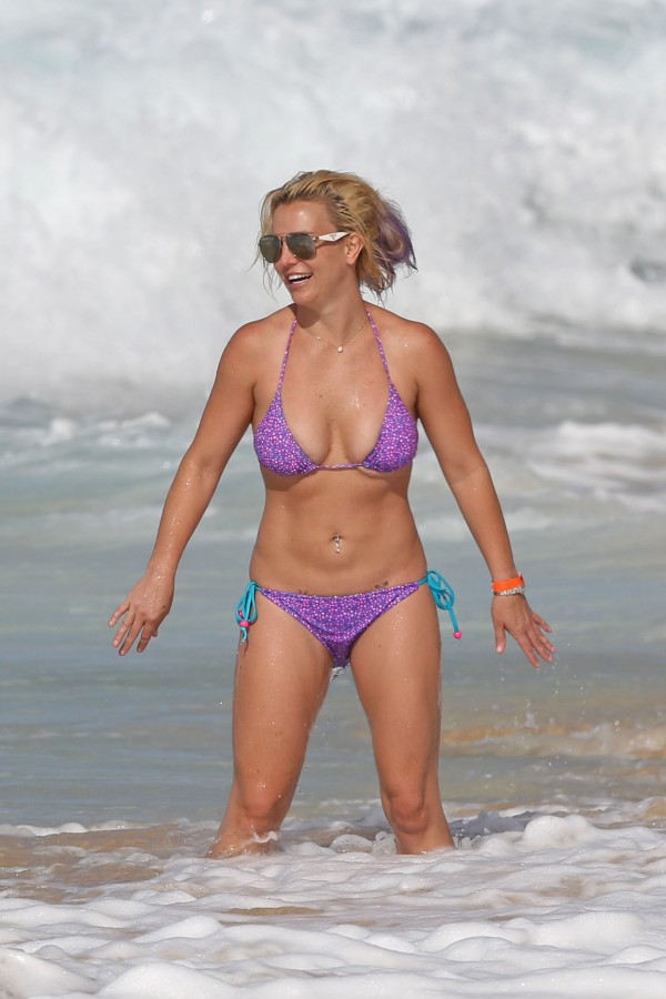 britney_spears_bikini_2015-5