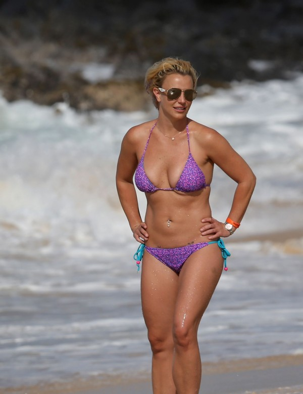 britney_spears_bikini_2015-7