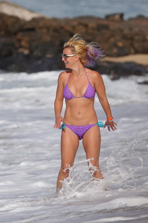 britney_spears_bikini_2015-8