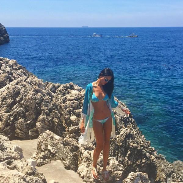 eiza_gonzalez_bikini-insta
