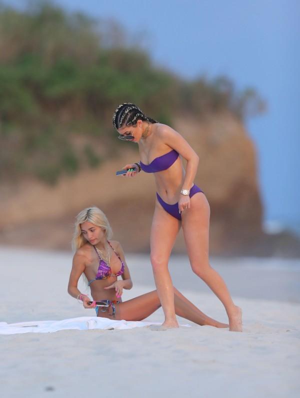 kylie-jenner_bikini34