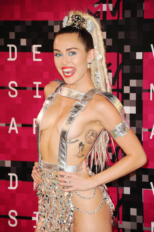 El baile de Miley Cyrus a Robin Thicke