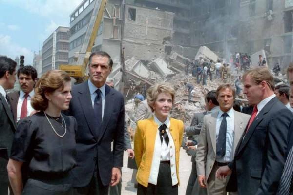 Paloma_Cordero_Nancy_Reagan_Mexico_City_1985_earthquake