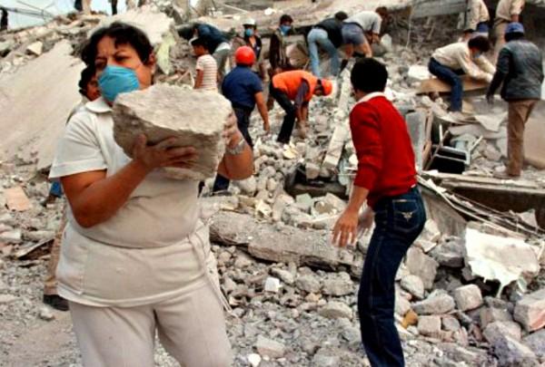 paralizo-habitantes-actividad-cotidiana-escombros_MILIMA20130919_0367_3