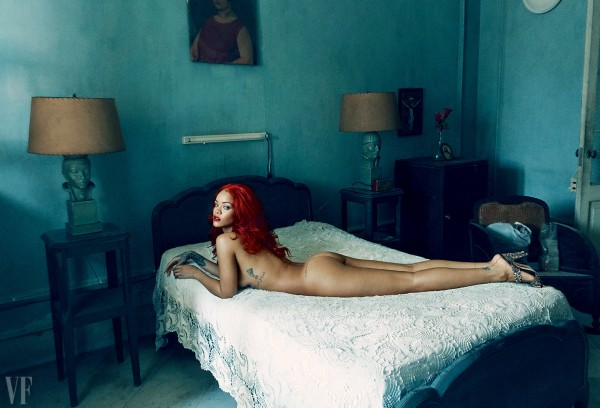 rihanna-naked-vf