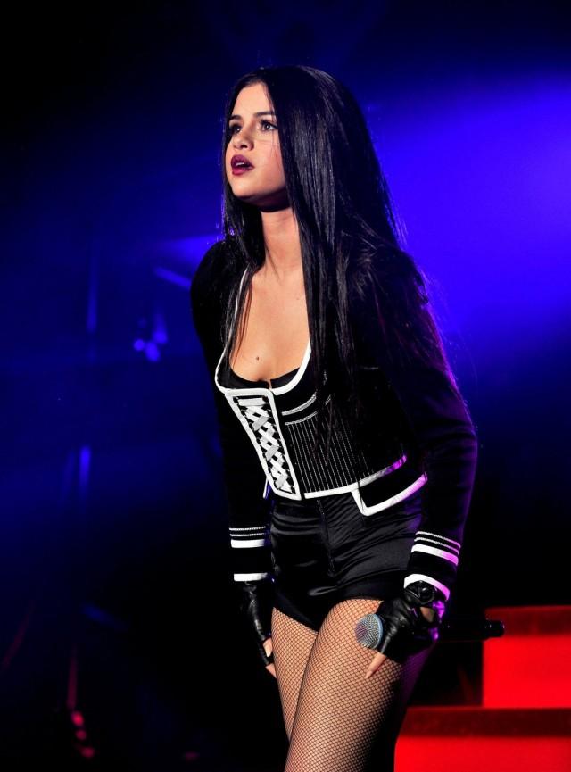 Selena-Gomez-108