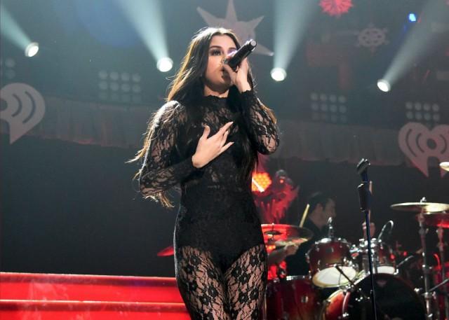 Selena-Gomez-at-102-7-KIIS-FM-Jingle-Ball-2015-in-LA-3