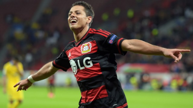 epa04933944 Leverkusen's Javier Hernandez celebrates after scoring the 3-1 lead during the UEFA Champions League group E soccer match between Bayer Leverkusen and BATE Borisov in Leverkusen, Germany, 16 September 2015.  EPA/FEDERICO GAMBARINI