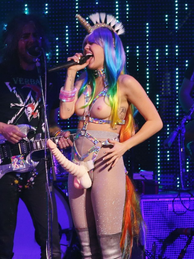 51930967 Singer Miley Cyrus performing live during the 'Miley Cyrus and Her Dead Petz' tour in Vancouver, Canada on December 14, 2015.