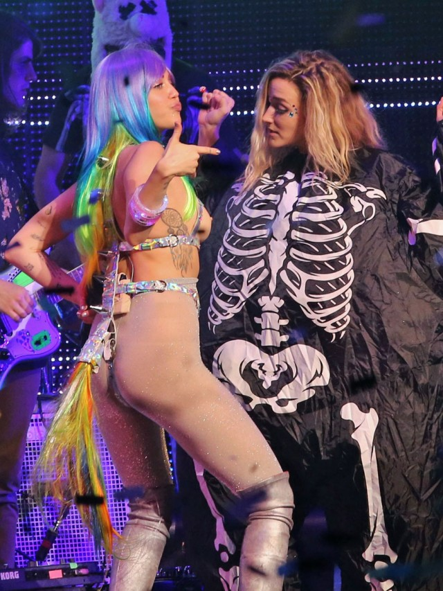 51930981 Singer Miley Cyrus performing live during the 'Miley Cyrus and Her Dead Petz' tour in Vancouver, Canada on December 14, 2015.
