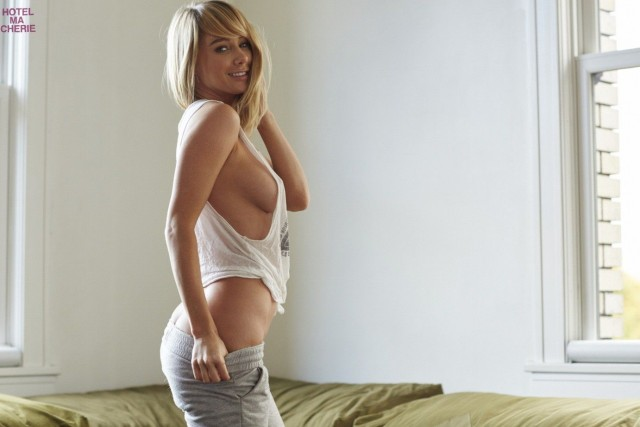 Sara-Underwood-Hotel-Ma-Cherie-Photoshoot-10