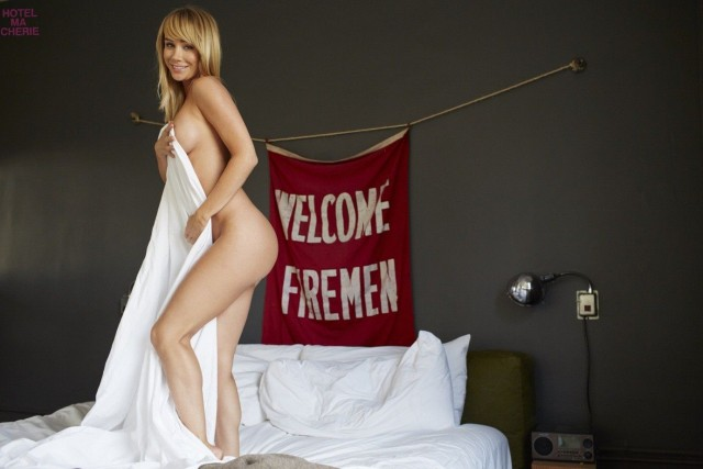 Sara-Underwood-Hotel-Ma-Cherie-Photoshoot-18