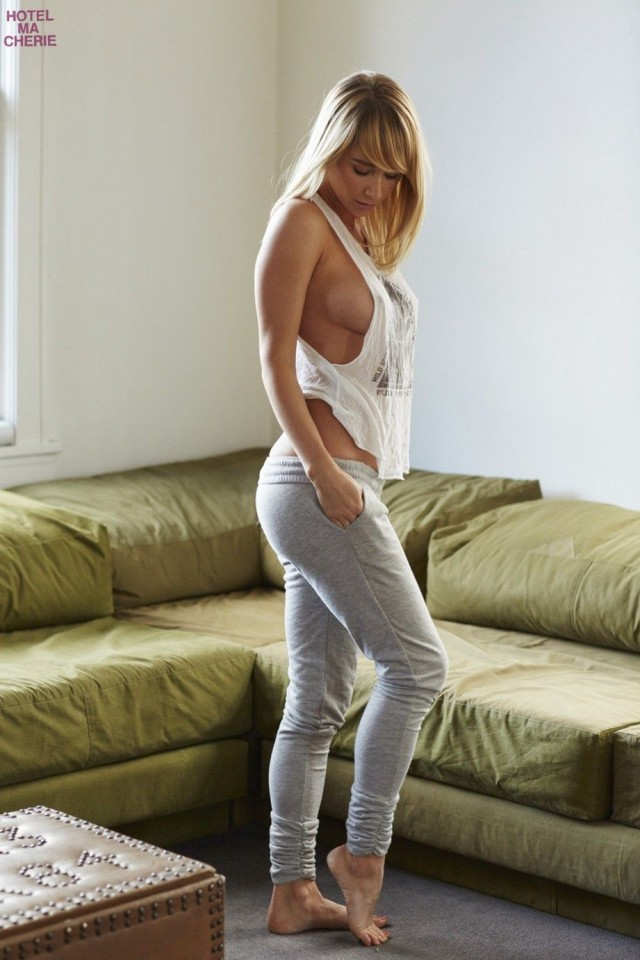 Sara-Underwood-Hotel-Ma-Cherie-Photoshoot-21