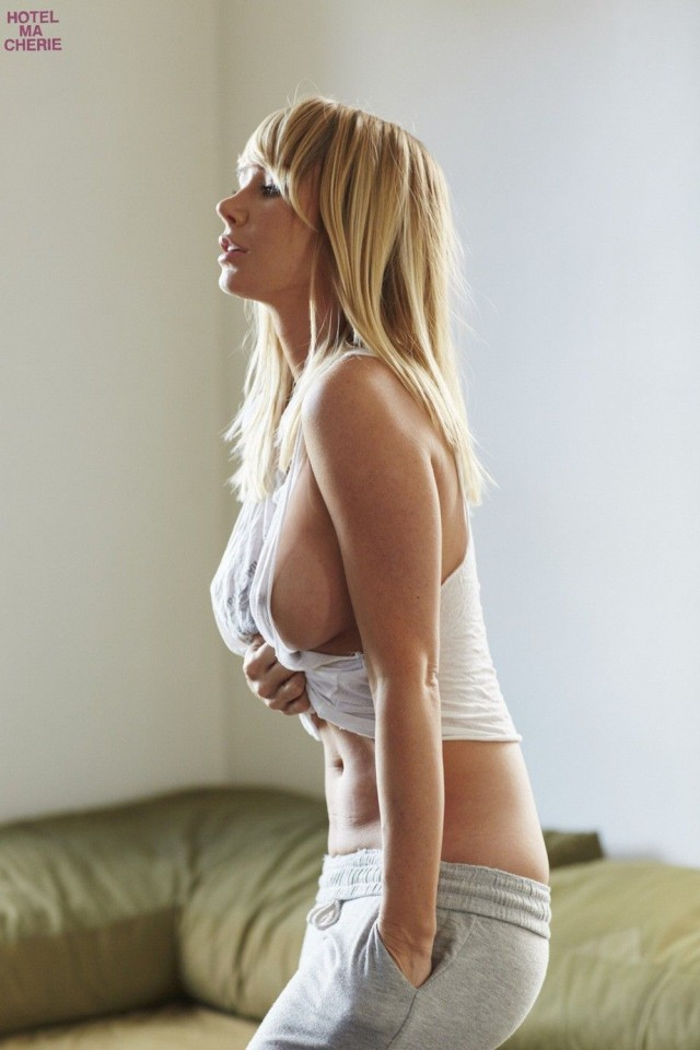 Sara-Underwood-Hotel-Ma-Cherie-Photoshoot-25