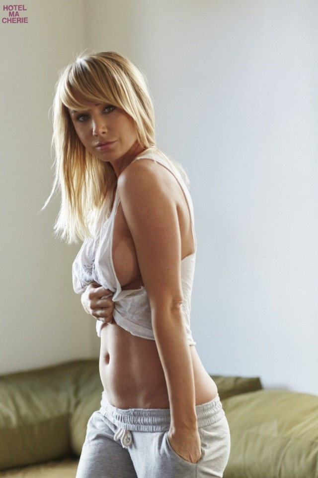 Sara-Underwood-Hotel-Ma-Cherie-Photoshoot-4