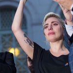 Lady Gaga llora por la masacre de Orlando