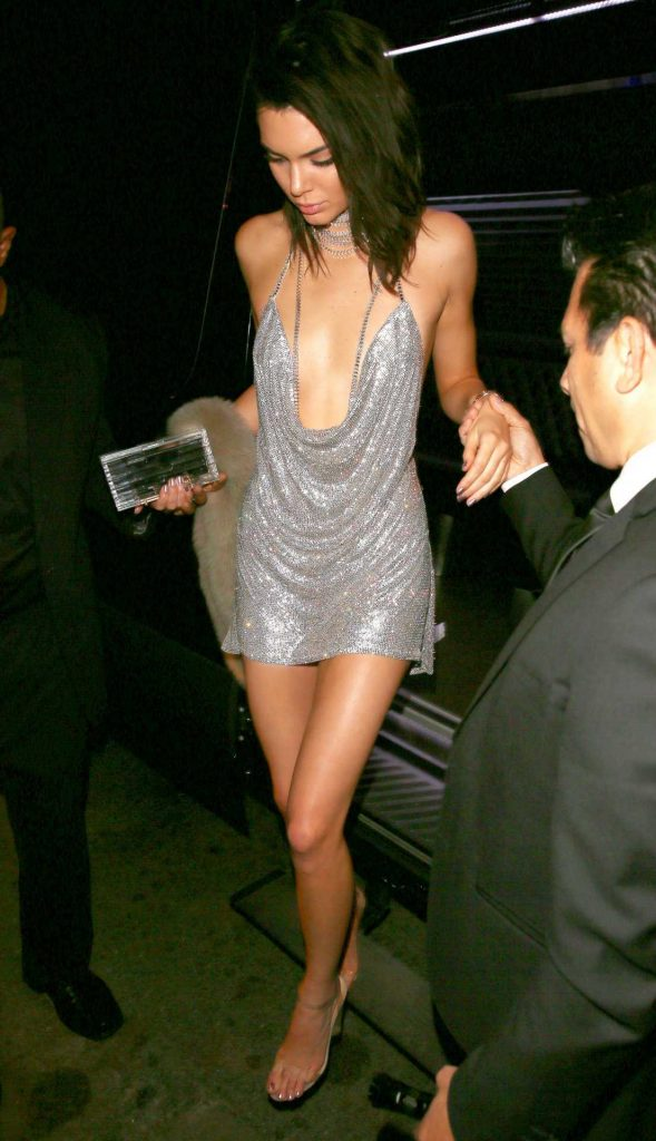 kendall-jenner-at-21st-birthday-party-7