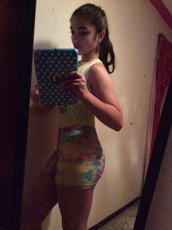 Nena sexy de colombia muestra su blanco cuerpo desnudo - 1 part 8