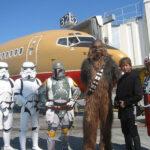 Chewbacca entrega espada a la NASA