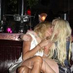 Lindsay Lohan beso a su madre en la boca?