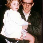 Ronan Farrow escribe sobre su padre Woody Allen
