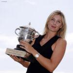 Maria Sharapova y su trofeo de Roland Garros