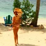 Paulina Rubio publica foto en bikini