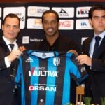 Presentan a Ronaldinho como jugador del Queretaro