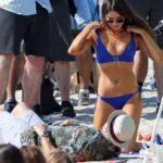 Aubrey Plaza en bikini filmando pelicula