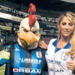 Acusa Ines Sainz venta irregular del equipo Gallos Blancos del Queretaro
